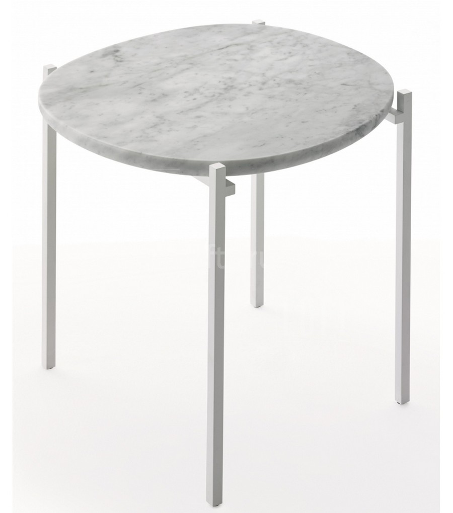 Журнальный столик на металлокаркасе
