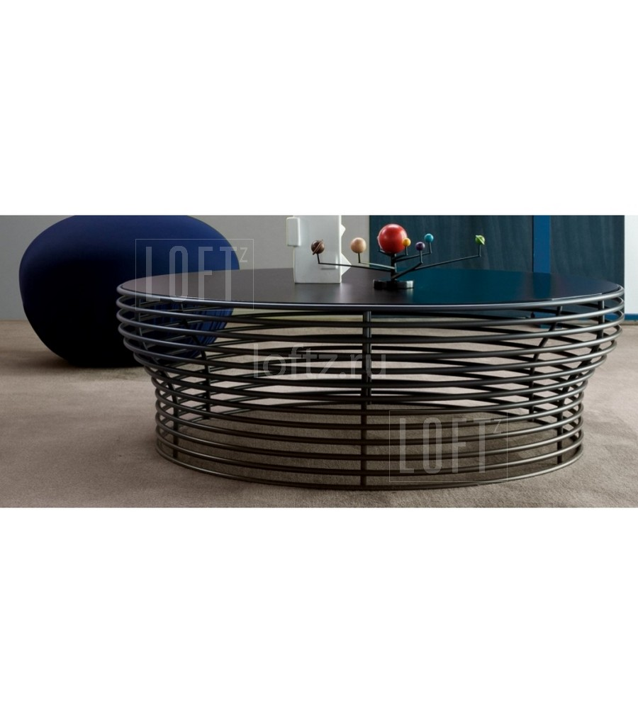 Круглый кофейный столик из стального прутка